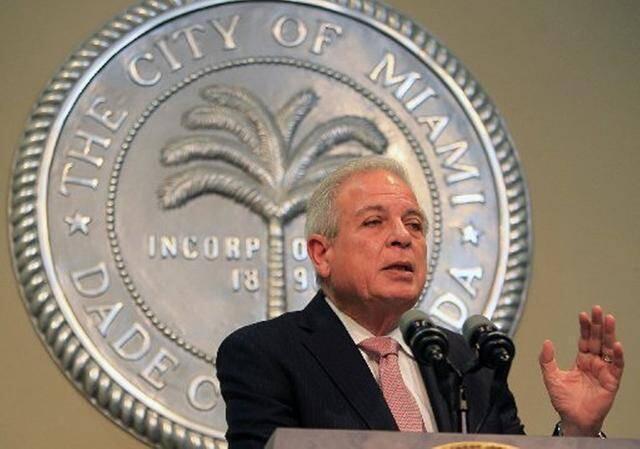 Tomás Pedro Regalado, alcalde de Miami