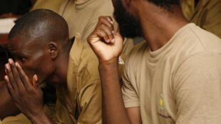 Activistas angolanos durante julgamento 28/03/16