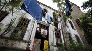 O antigo Museu do Índio, no Rio de Janeiro, onde moram cerca de 60 indígenas em condições precárias.