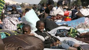 Le vide légal, en matière d'immigration, pousse des milliers de personnes à passer clandestinement la frontière de l'Afrique du Sud.