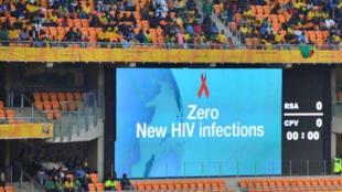 Lançamento da campanha durante a Confederação de Futebol Africana para mobilizar a juventude para se prevenir contra o vírus da aids.