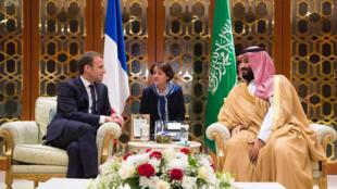 Le président Macron reçu par le prince Ben Salman d'Arabie saoudite, dans la soirée du 9 novembre 2017.
