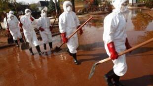 Quatre villages avaient été frappés par la coulée de boue toxique en octobre 2010.