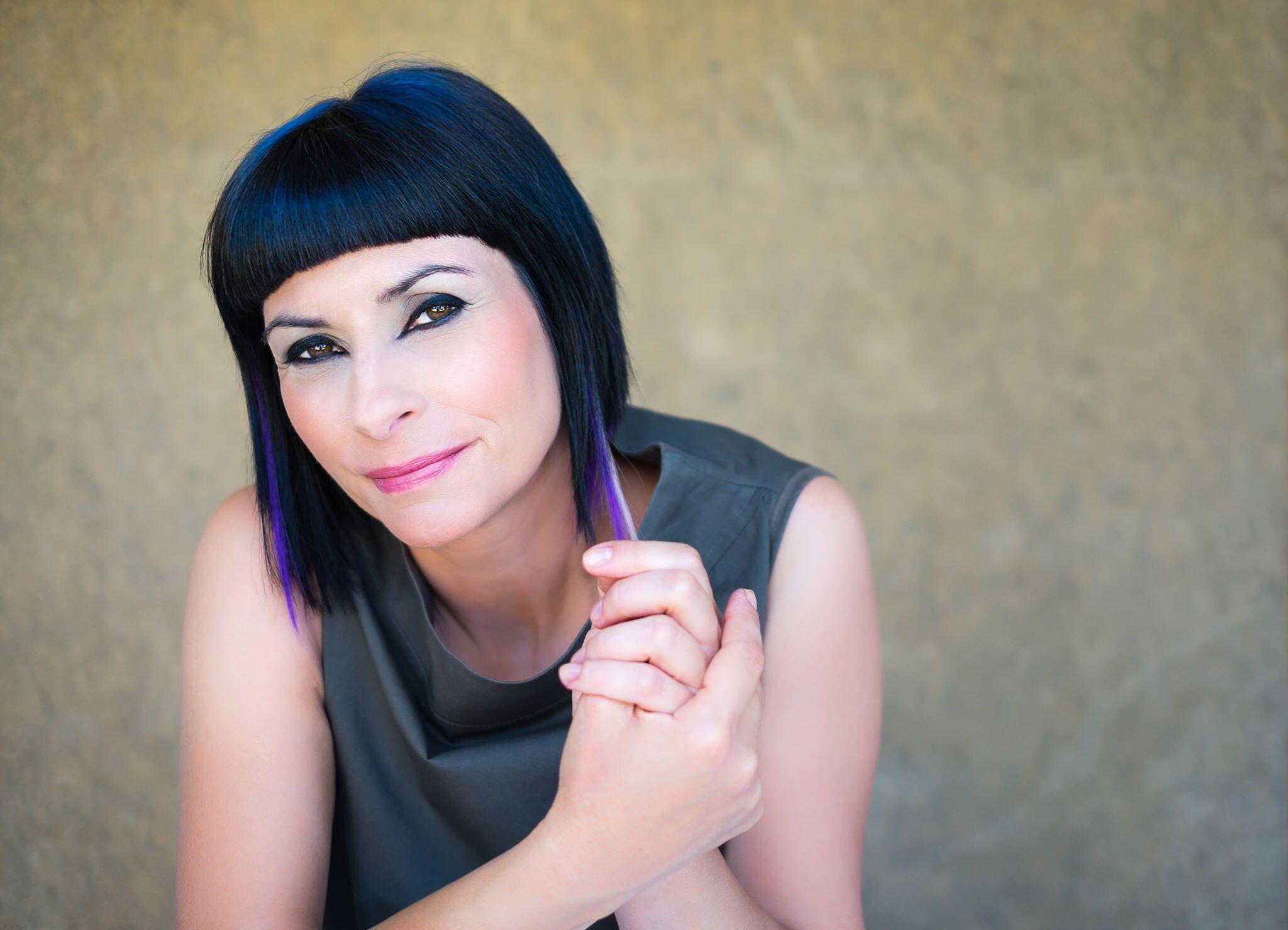 A cantora Viviane Parra, ícone da música por / rock portuguesa