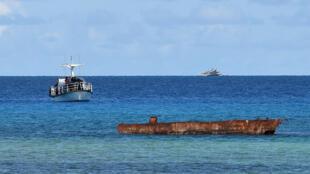 Bức ảnh chụp vào ngày 21/04/2017 cho thấy thuyền đánh cá Philippines neo đậu gần đảo Thị Tứ, ở quần đảo Trường Sa, hiện đang có tranh chấp chủ quyền.