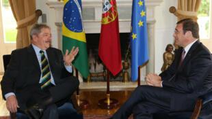 O ex-presidente Luiz Inácio Lula da Silva se encontrou por cerca de uma hora com o primeiro-ministro português Passos Coelho no Palácio São Bento, em Lisboa.