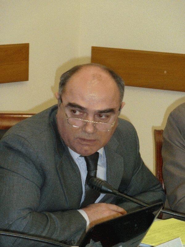 Умаросман Гаджиев - председатель Комитета по делам печати и информации РД
