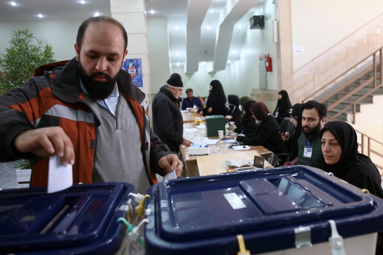 یکی از شعب رأیگیری در تهران