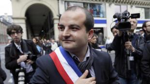 Le maire Front national (FN) de Fréjus, David Rachline, lors du défilé du 1er mai 2014, à Paris.