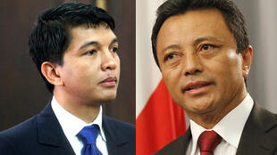 Le président malgache de la Transition, Andry Rajoelina (G), et l'ex-président Marc Ravalomanana.