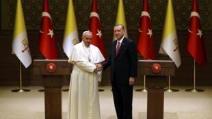 El papa Francisco y el presidente turco Tayyip Erdogan, este 28 de noviembre en Ankara.