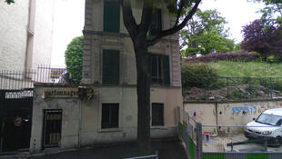The site of Monday night's blaze in Paris's XXe arrondissement