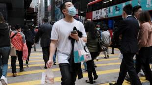 因新冠病毒疫情,香港金融区已看不到往日人群熙攘的景象。摄于2020年3月2日