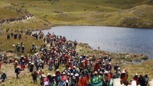 Manifestación contra el proyecto Conga en Cajamarca, Perú, el 24 de noviembre de 2011.