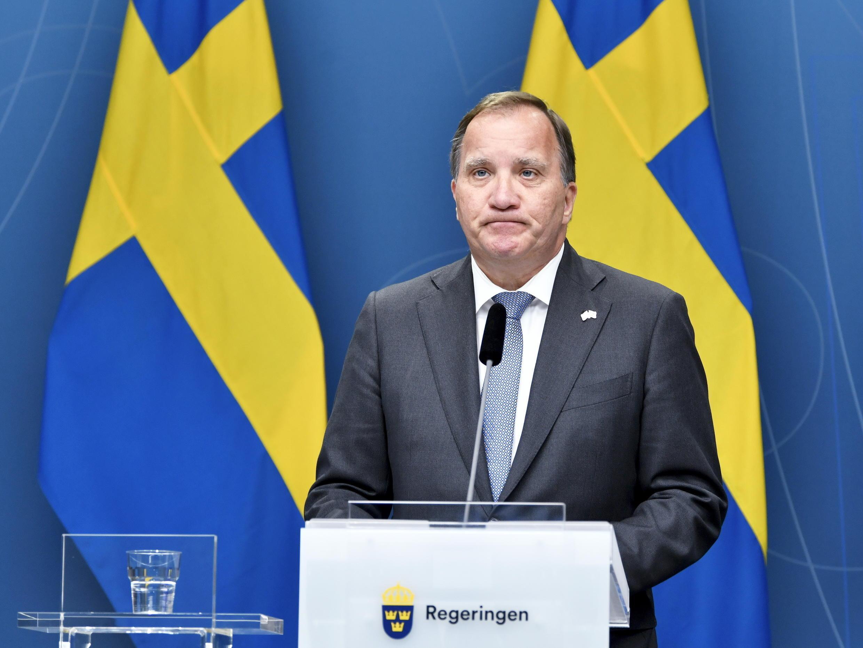 Le Premier ministre suédois Stefan Lofven lors d'une conférence de presse après le renversement de son gouvernement par le vote à la majorité absolue d'une motion de défiance, le 21 juin 2021, à Stokholm
