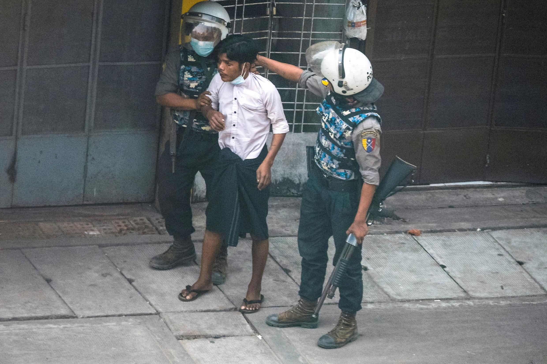 2021-03-19T061421Z_696238364_RC26EM954ZJF_RTRMADP_3_MYANMAR-POLITICS