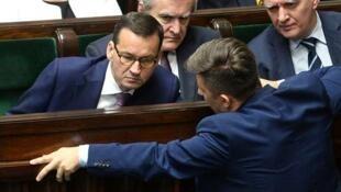 波蘭總理莫拉維茨基(Mateusz Morawiecki)在議會上   2018年6月27日