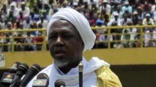 Mahmoud Dicko, au stade du 26-Mars, à Bamako, ici le 12 août 2012.