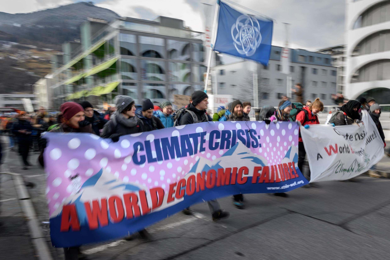 Activistas pelo clima deram início a uma marcha pelos Alpes Suíços até Davos