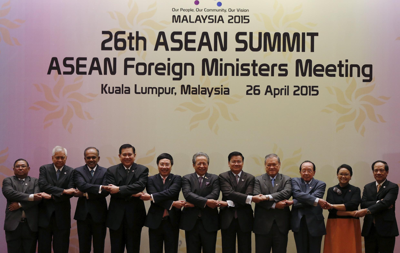 Ngoại trưởng ASEAN họp tại Kuala Lumpur, ngày 26/04/2015.