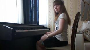 Elena Burtina, Comité d'Assistance Civique en Russie (Capture d'écran).