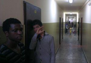 Dans les couloirs miteux du centre d'hébergement de réfugiés de Sofia.