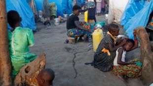 Enfants déplacés de l'Ituri dans un camp à Bunia, le 9 avril 2018.