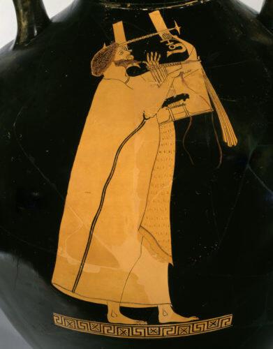 Музыкант, играющий на кифаре. Краснофигурная амфора. V век до н. э.