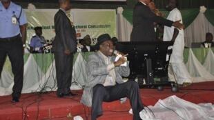 Godsday Orubebe, Tsohon Ministan Niger Delta kuma wakilin PDP wanda ya nemi tayar da hargitsi a cibiyar tattara sakamakon zaben shugaban kasa