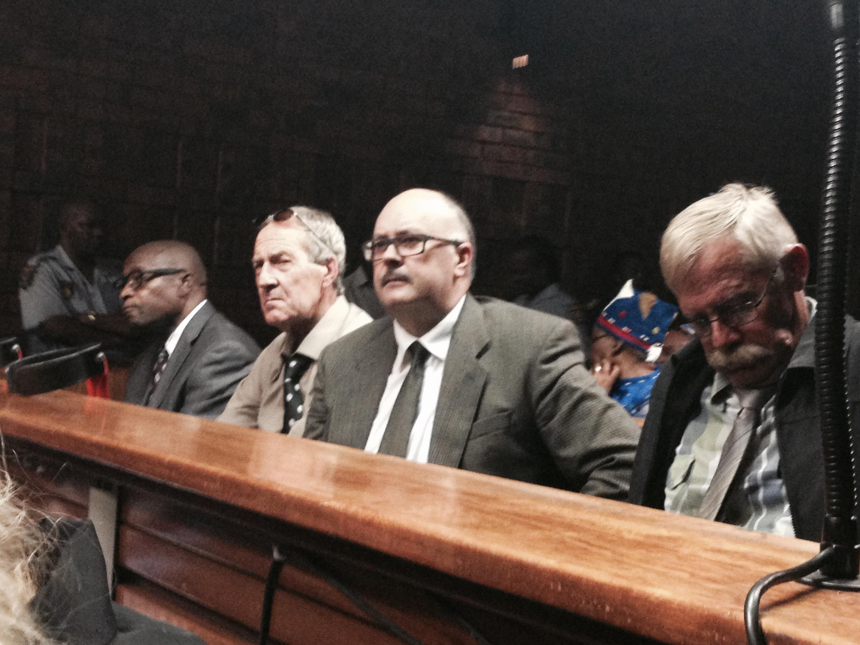 Le procès des quatre anciens policiers à Pretoria.