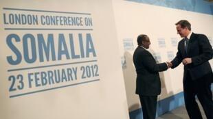 Mkutano wa kimatsifa kuhusu Somalia, waziri mkuu wa Uingereza David Cameron na waziri mkuu wa Somalia Abdiweli mohamed