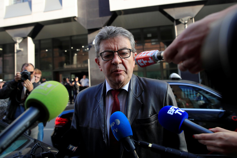 Вместо того, чтобы ответить на вопрос журналистки третьего канала французского телевидения, Жан-Люк Меланшон высмеял ее акцент.