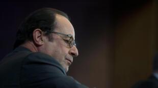 Франсуа Олланд потребовал представить ему доклад о кибербезопасности в период президентских выборов во Франции.