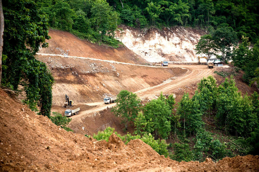 Tuyến đường dẫn đến địa điểm xây đập thủy điện Xayaburi