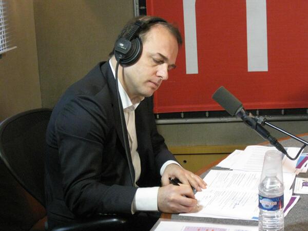 Французский политолог, глава Института Жака Делора Ив Бертонсини в студии RFI