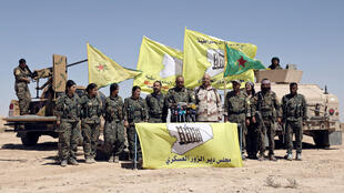 Lực lượng Dân chủ Syria (SDF) họp báo mở tấn công Deir Ezzor ngày 09/09/2017.