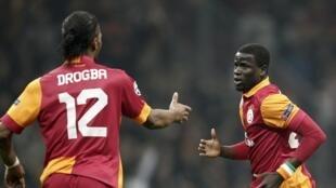 Les Ivoiriens Didier Drogba et Emmanuel Eboué.