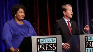 Nữ ứng viên Dân Chủ Stacey Abrams tranh luận với đối thủ Cộng Hòa Georgia Brian Kemp tại Atlanta, Georgia, Mỹ ngày 23/10/2018.