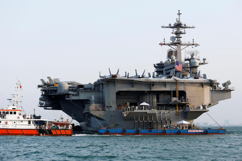 Hàng không mẫu hạm Mỹ USS Carl Vinson tại cảng Đà Nẵng, Việt Nam ngày 05/03/2018.