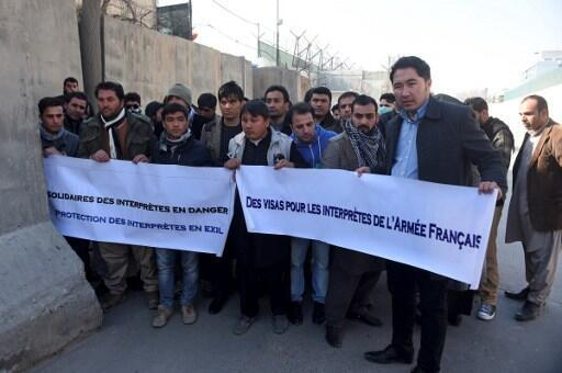 Former interpreters for the French army protest in Kabul, 10 January 2017.