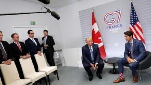 Un sommet du G7 donne lieu à de nombreuses rencontres bilatérales, comme ici Donald Trump avec Justin Trudeau.