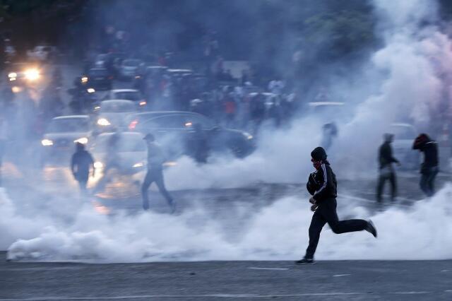 Праздник чествования чемпиона страны по футболу на площади Трокадеро в Париже обернулся беспорядками