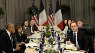 O presidente francês, François Hollande, durante reunião bilateral com Barack Obama