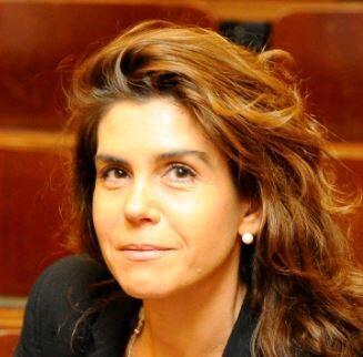 Sophie Prunier-Poulmaire a dirigé l'exposition et le livre «Êtres au travail», elle est présidente de l'association Lumières sur le travail.