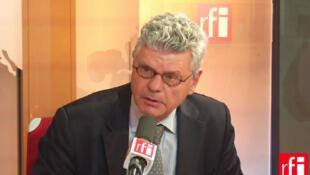 Michel Foucher,  diplomate, géographe et ancien directeur du Centre d'analyse et de prévision du ministère des Affaires étrangères.
