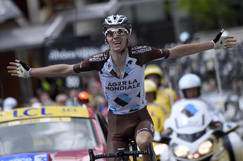 Romain Bardet lors de sa victoire sur le Critérium du Dauphiné en juin 2015.