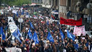 Manifestation dans les rues de Belgrade, après l'élection d'Aleksandar Vučić, le 8 avril 2017.