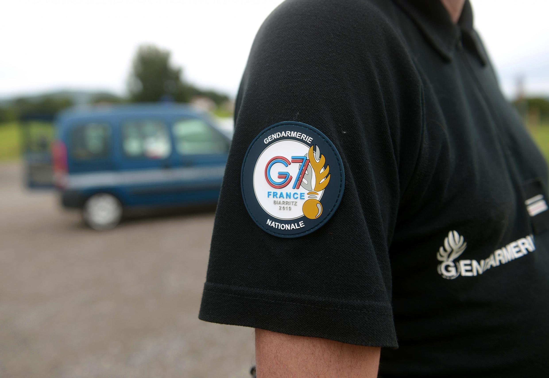 Gendarme francés para el G7, el 19 de agosto de 2019 en Itxassou, sur de Francia.