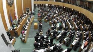 Os deputados austríacos aprovaram a proposta de ampliação do Fundo de Estabilidade Econômica na zona do euro nesta sexta-feira.