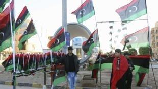 Les Libyens célèbrent le troisième anniversaire du début de la révolution qui a renversé le régime de Mouammar  Kadhafi en 2011.